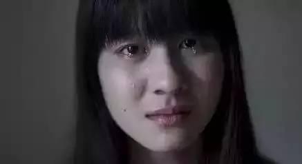 卖卤菜的姑娘嫁到江西,五六年后把名校毕业的老公甩了!这老公也是活该!